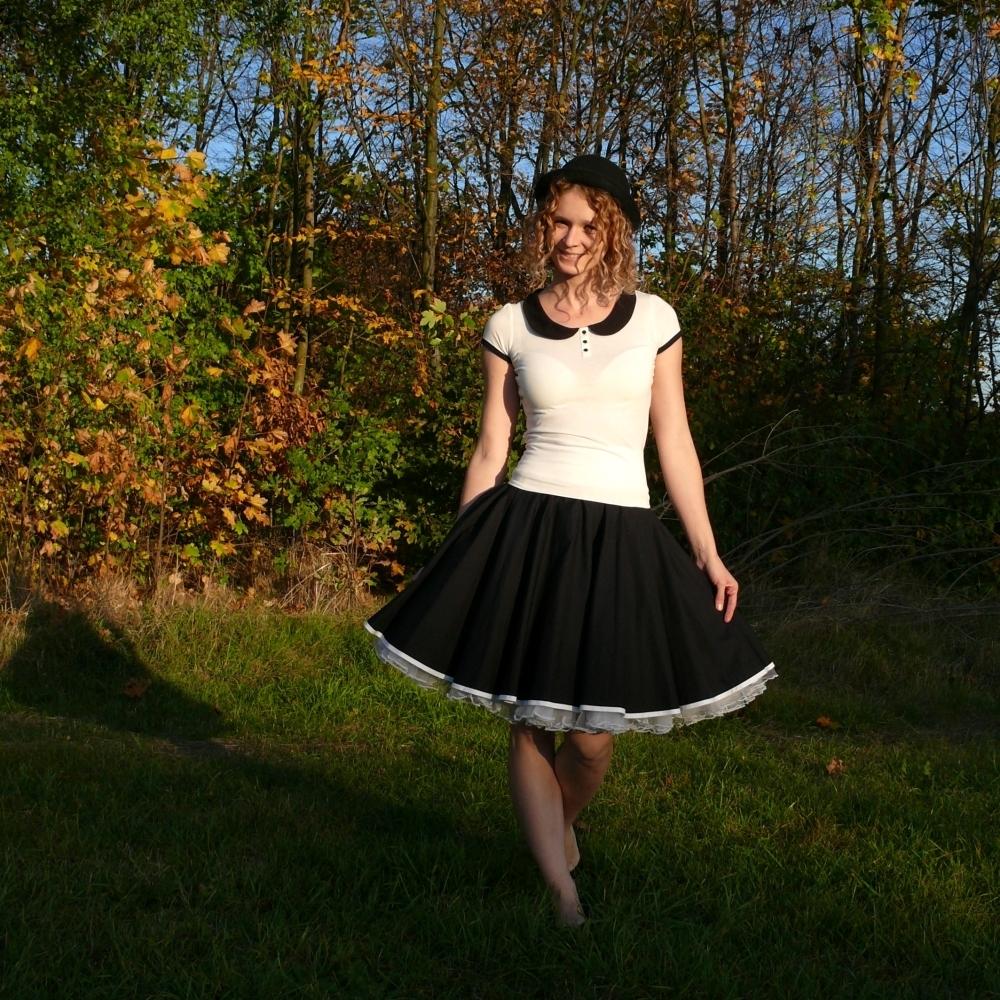 Černá kolová sukně - SKLADEM   Zboží prodejce Princezna Pampeliška ... 2ab3d66697
