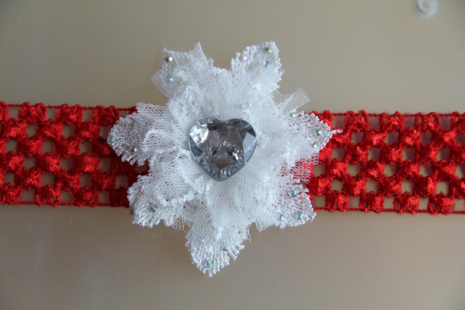 Červená pružná čelenka s krajkovým květem   Zboží prodejce krásná ... 845e56b783