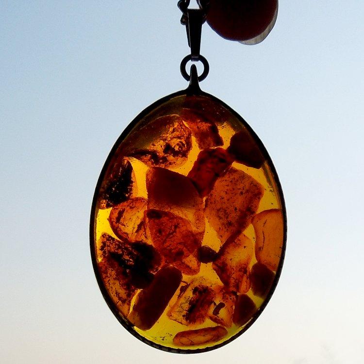 f8ec2f5e9 Jantarový náhrdelník, velký ovál na řetízku / Zboží prodejce UZuzky ...