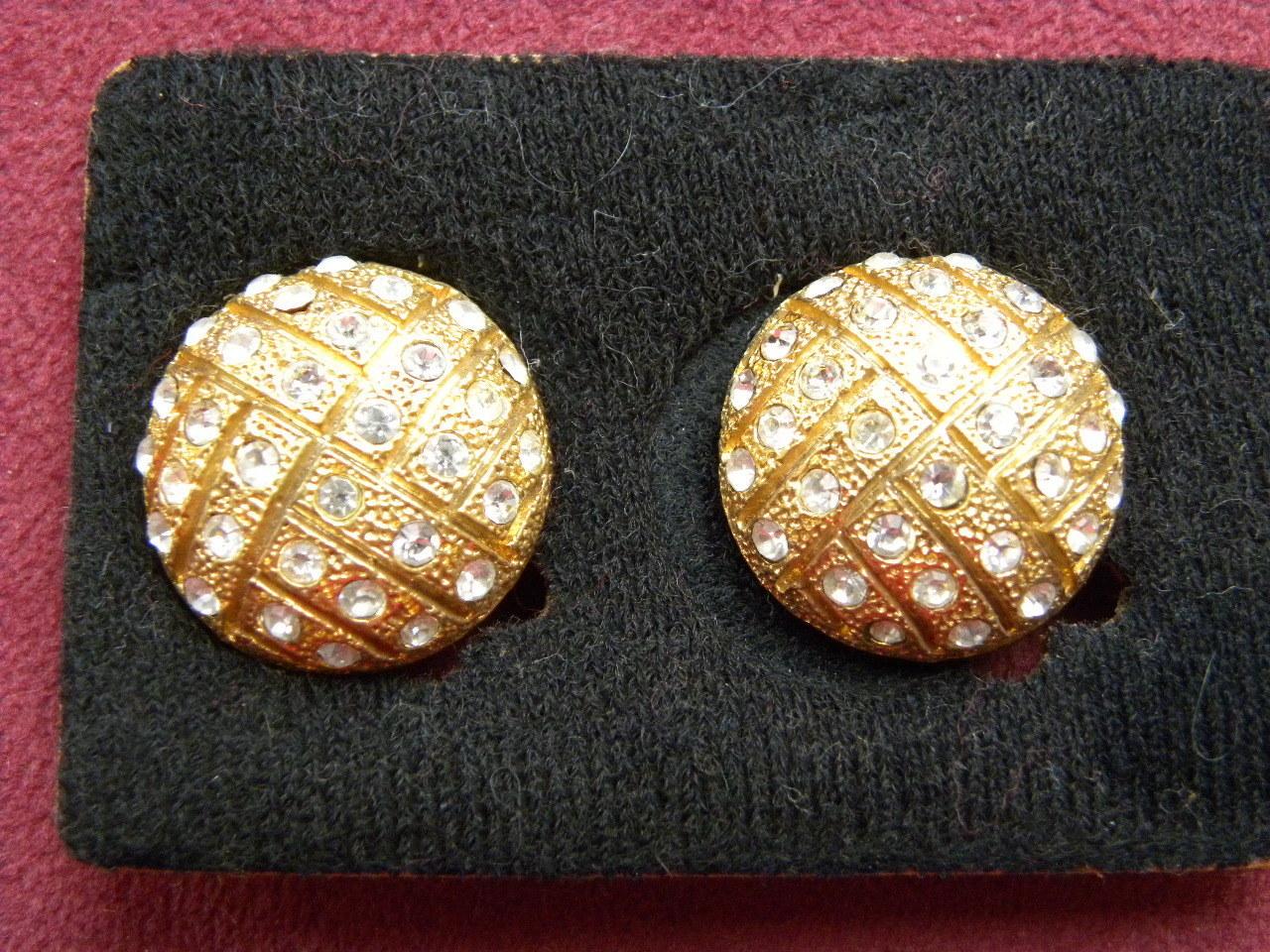 atraktivní náušnice KLIPSY zlaté barvy s zirkony   Zboží prodejce ... cdb6735c3c8