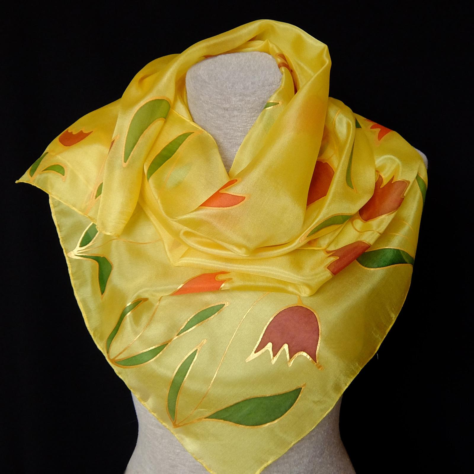 Jarní tulipány - hedvábná šála   Zboží prodejce Monteboo  84d77fb89c