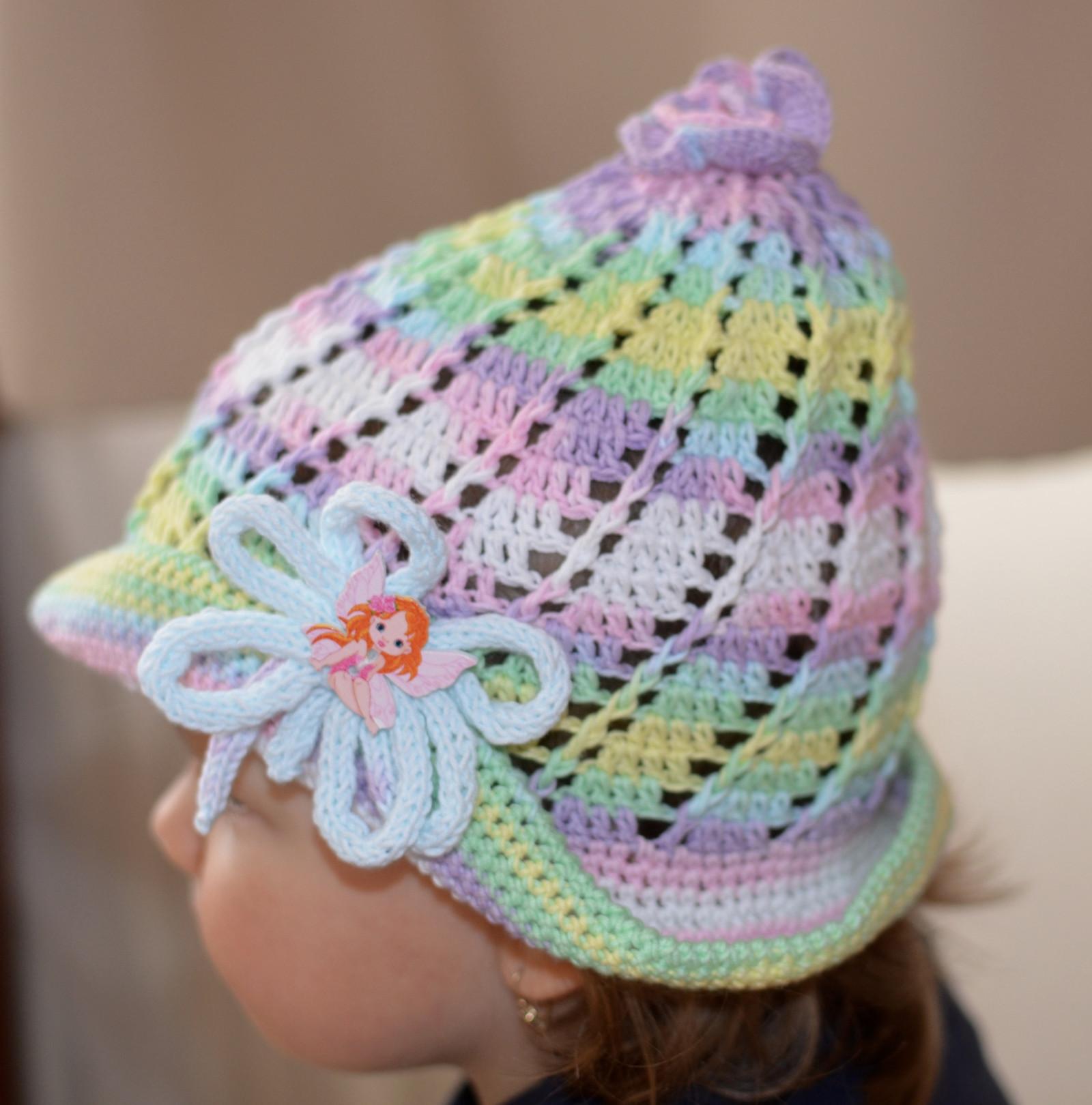 6243688e5ec Háčkovaný klobouček s malou vílou   Zboží prodejce Svetříky pro děti ...