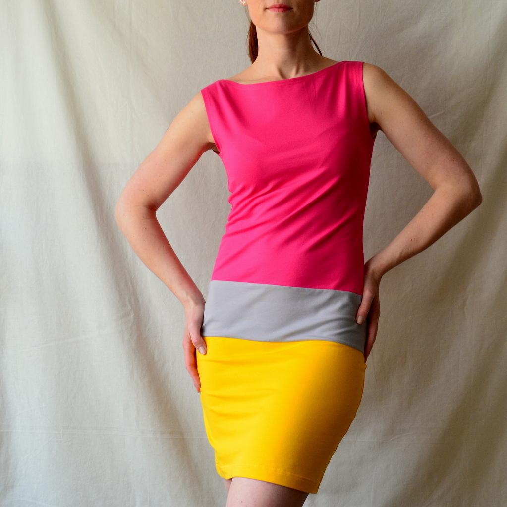 Tříbarevné úpletové šaty II   Zboží prodejce Petrushe  8ca1ffd420