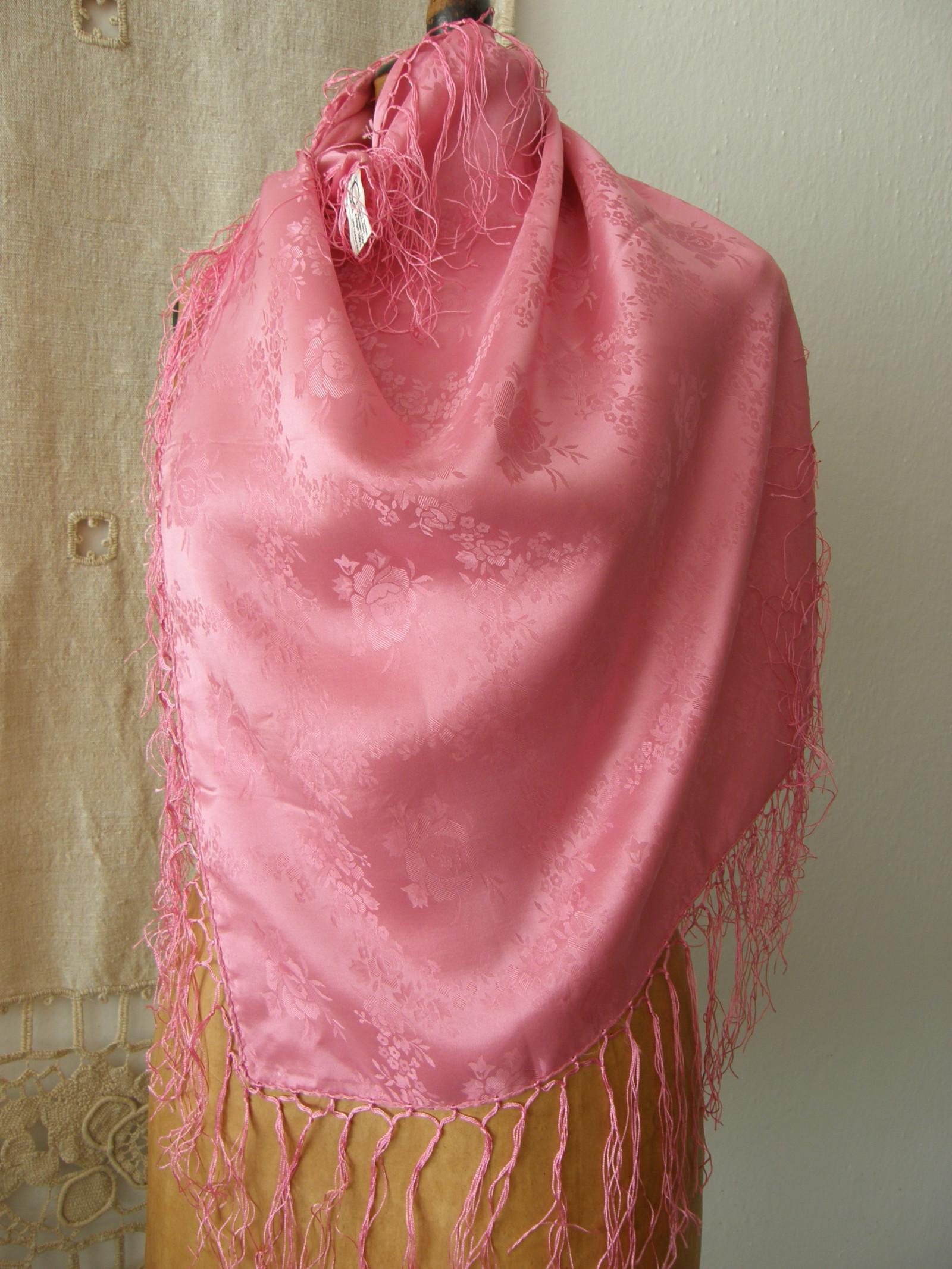 1f590fb4ec6 hedvábný šátek růžový   Zboží prodejce Tolaja