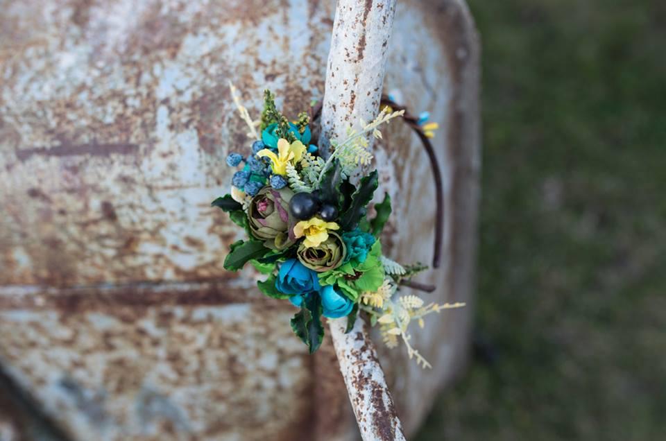 d51738204b7 Letní květinová čelenka
