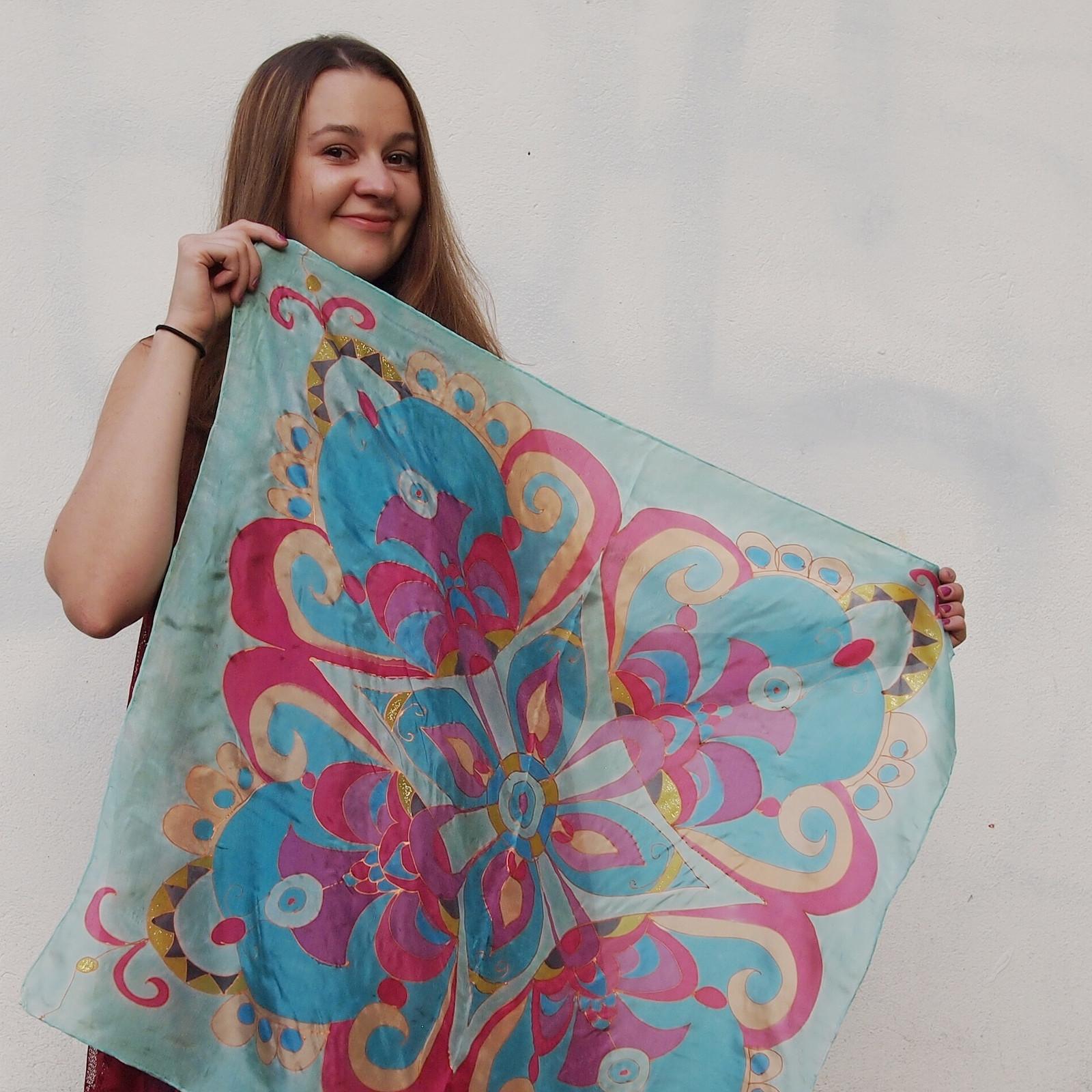 Mandala..... barevná. Hedvábný šátek e3fc199679