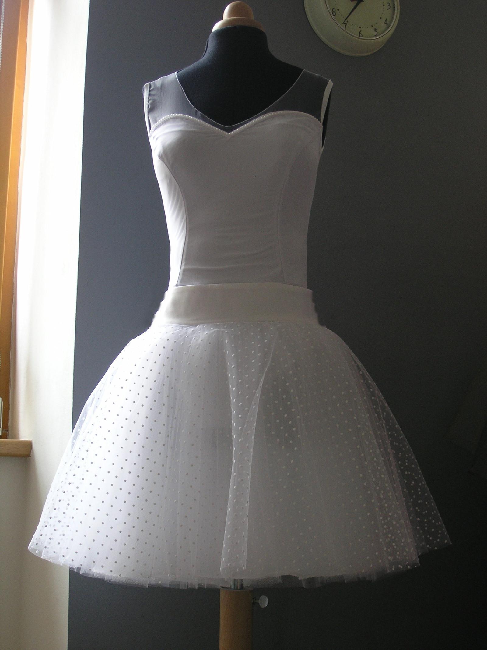 441390e08082 Krátká svatební sukně s puntíkem + body na přání   Zboží prodejce ...