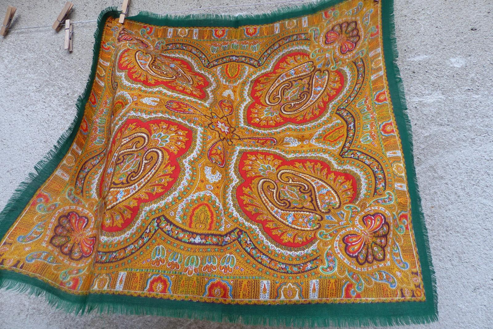 V zelené...starý vlněný kašmírový šátek   Zboží prodejce letokruhy ... 1cb0bdc120