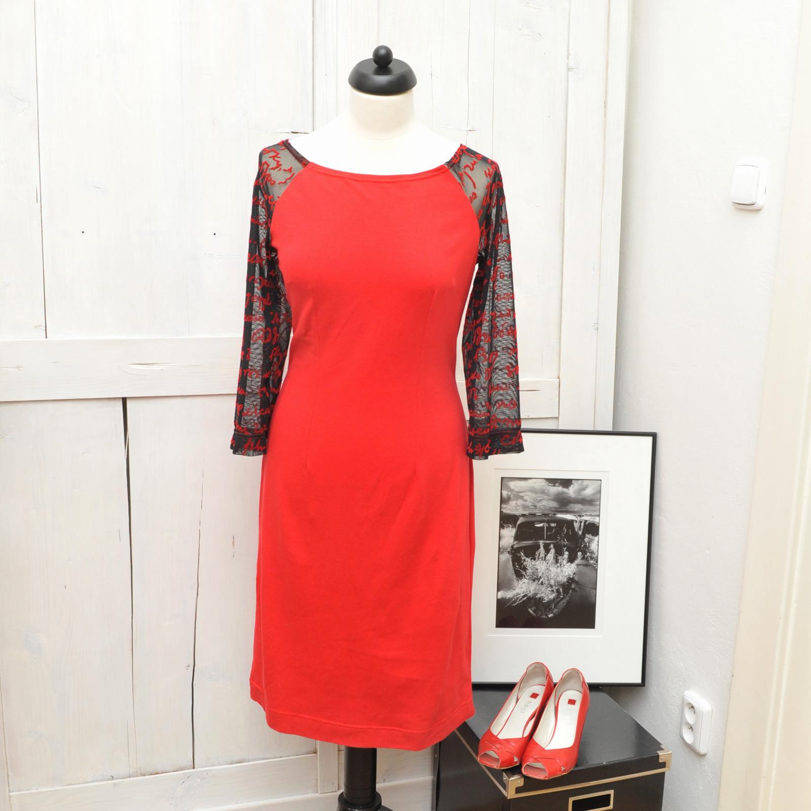 Úpletové šaty s tylovými rukávy   Zboží prodejce INDIVA  9ab9ae4ce5