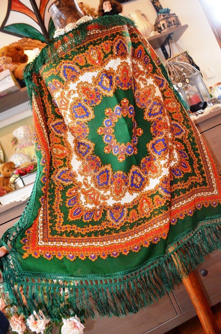 Krásný kašmírový šátek s třásněmi   Zboží prodejce Panská dílna ... f87a0e2061