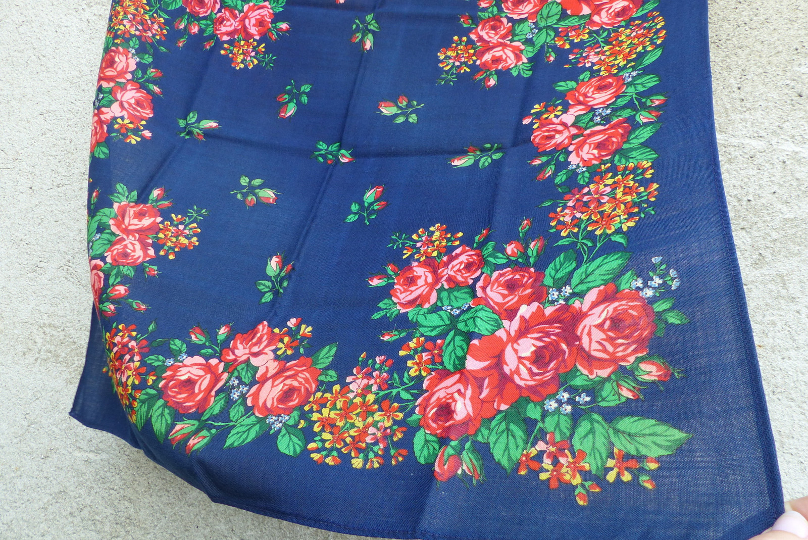 6374cdde140 Modré růže...starý vlněný kašmírový šátek   Zboží prodejce letokruhy ...