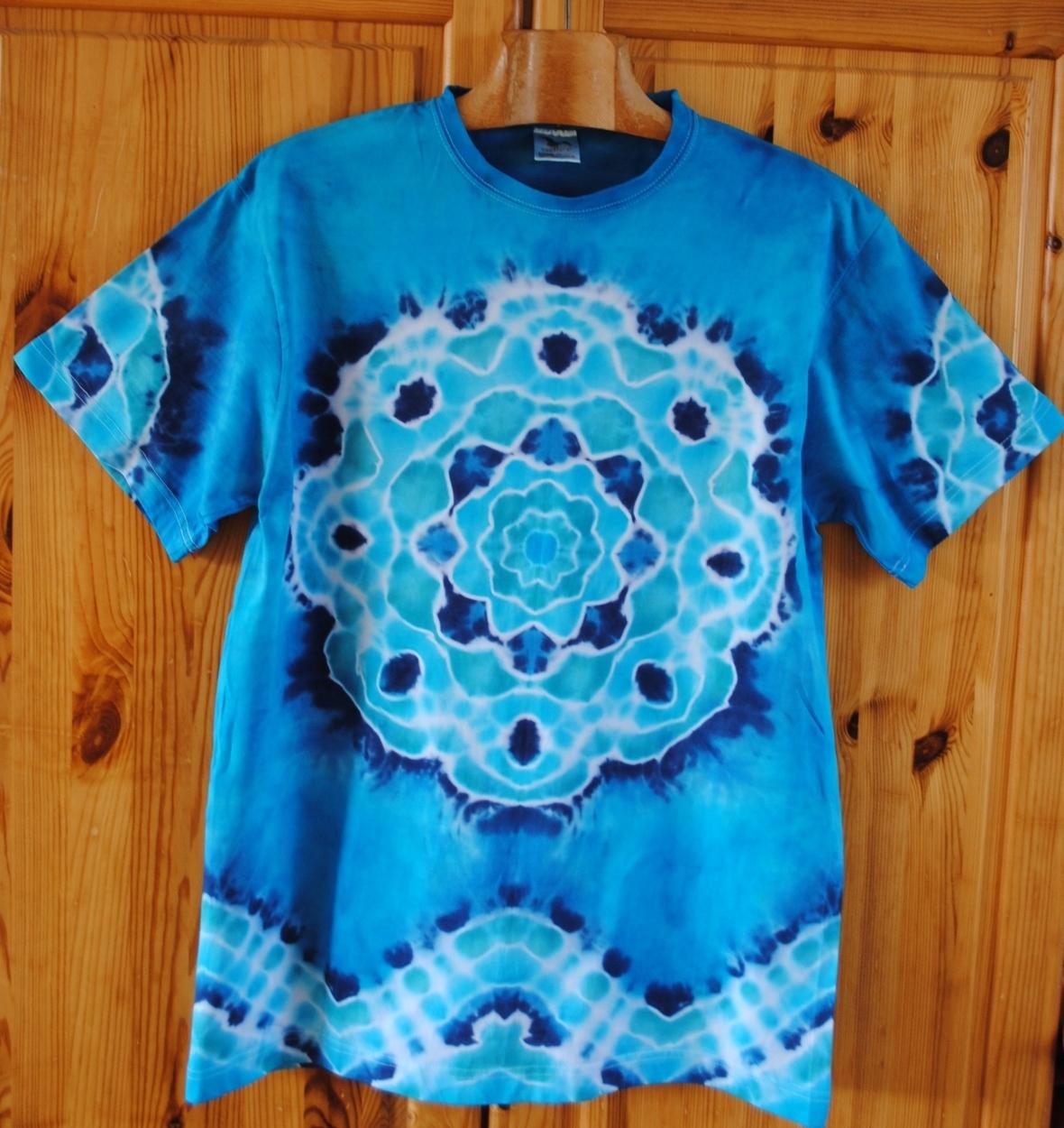 f5d1477a3539 Batikované tričko - Poklad v tyrkysovém moři   Zboží prodejce Happy ...