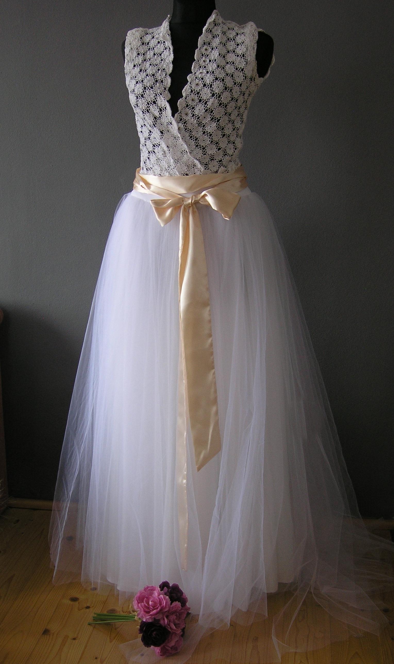cb7293aa1b7 Svatební sukně kolová s vlečkou champagne stuha   Zboží prodejce ...