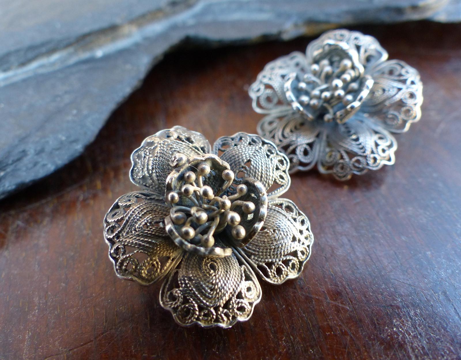 Kvetu...stříbrné filigránové náušnice a4b5cbc88ab