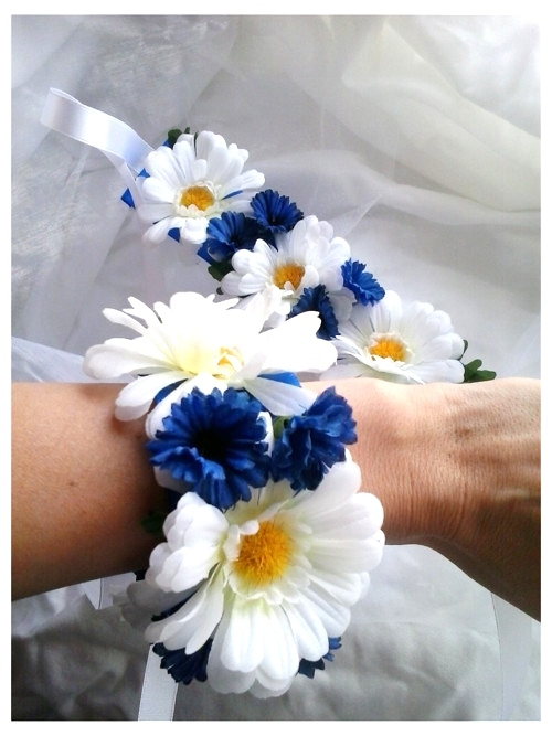 da32da45b34 náramek z látkových květin