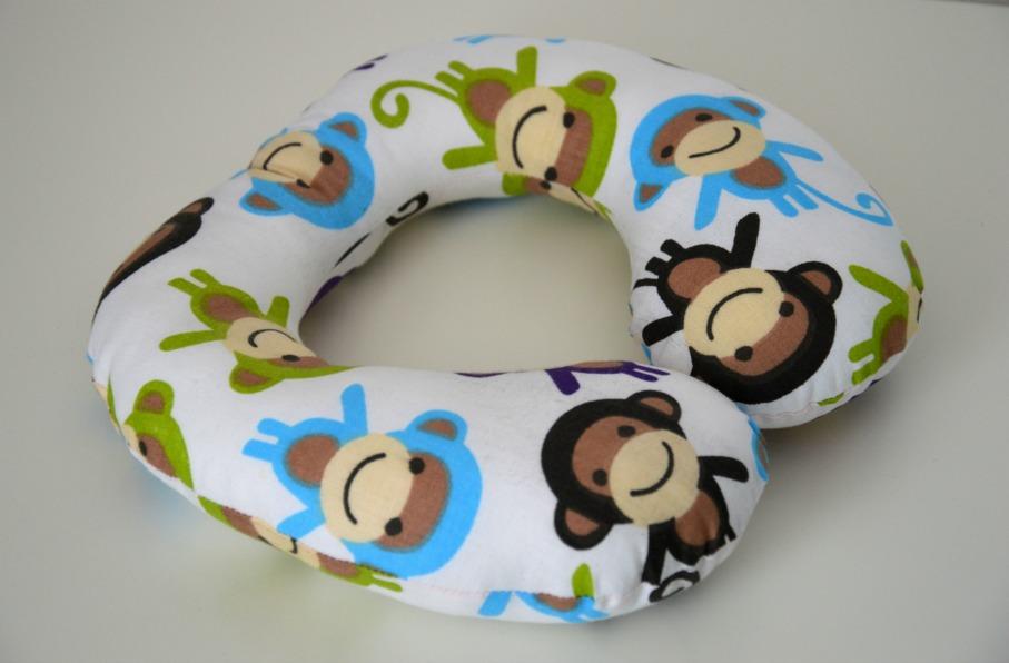 52554391411 Dětský cestovní polštářek do auta opičky   Zboží prodejce Torsolo ...