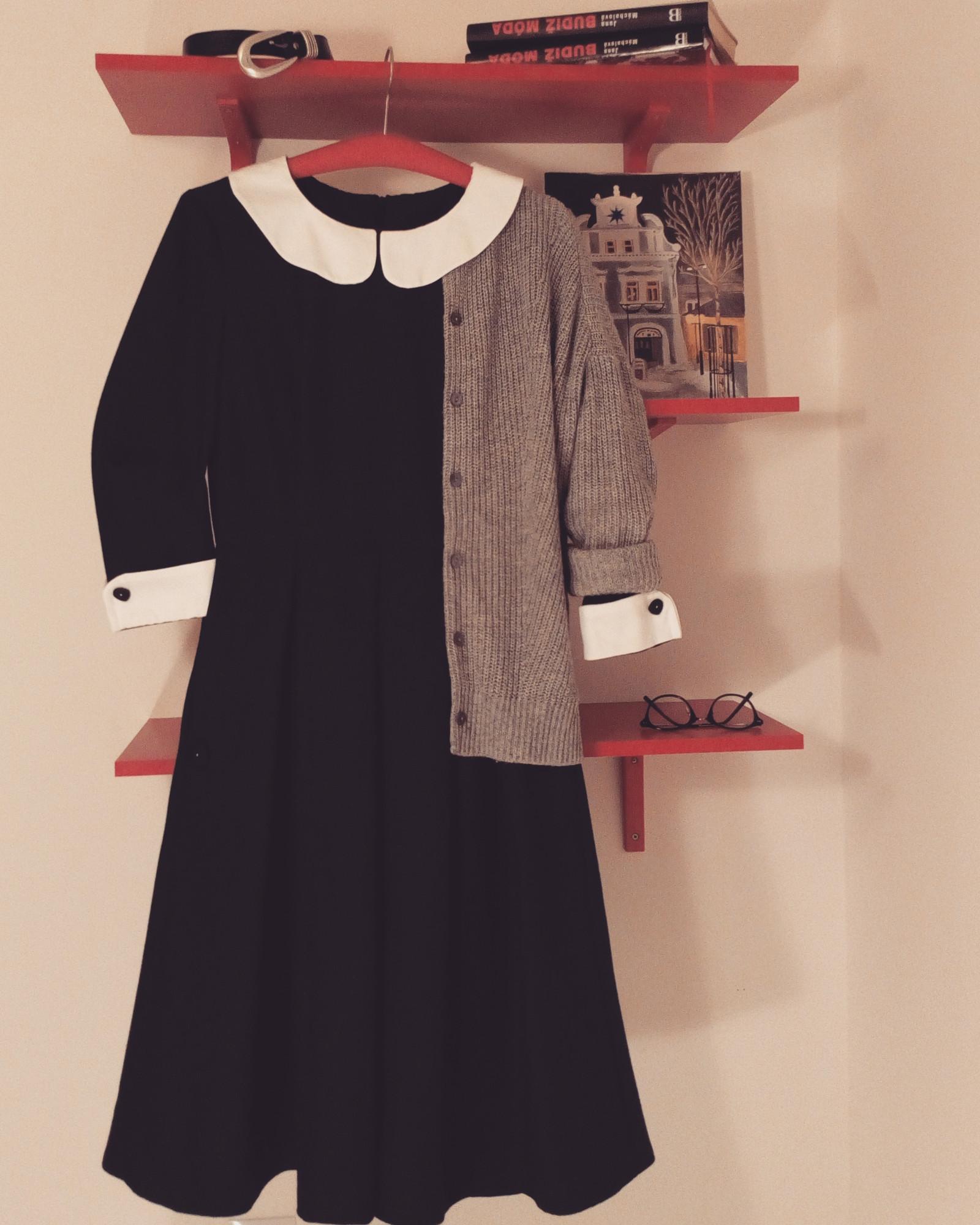 87618dbededf Tmavě šedé šaty s límečkem Oxford   Zboží prodejce Lařina Skříň ...