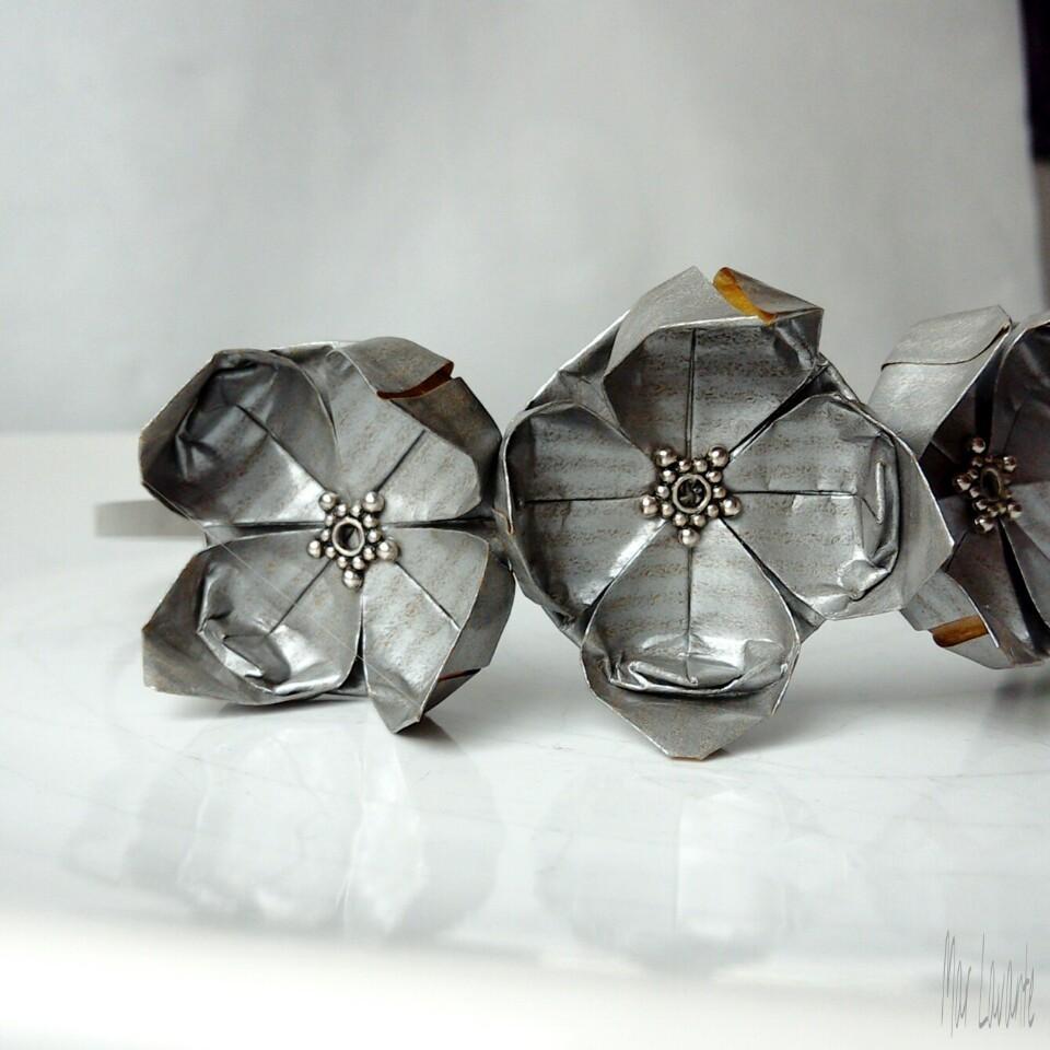 Origami čelenka do vlasů stříbrné květy   Zboží prodejce Mar Lavante ... d1c9ea3bad