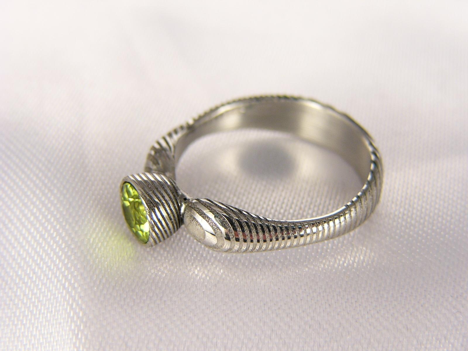 Prsten Growgris z damascénské oceli   Zboží prodejce Cubick  1e7469a624
