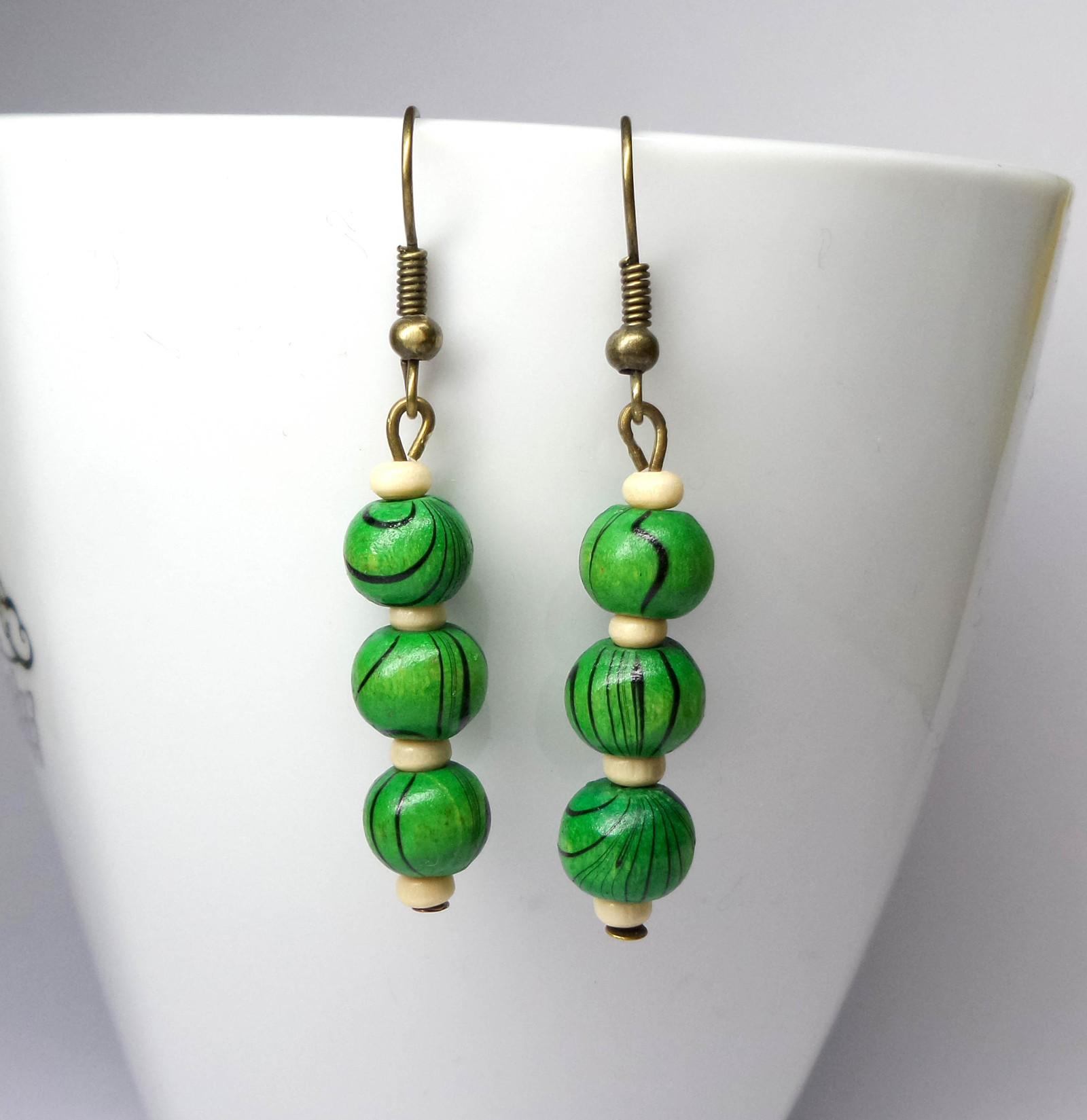 5d1bea7503c Náušnice »zelené korálky« Mosaz   Zboží prodejce Pytluška