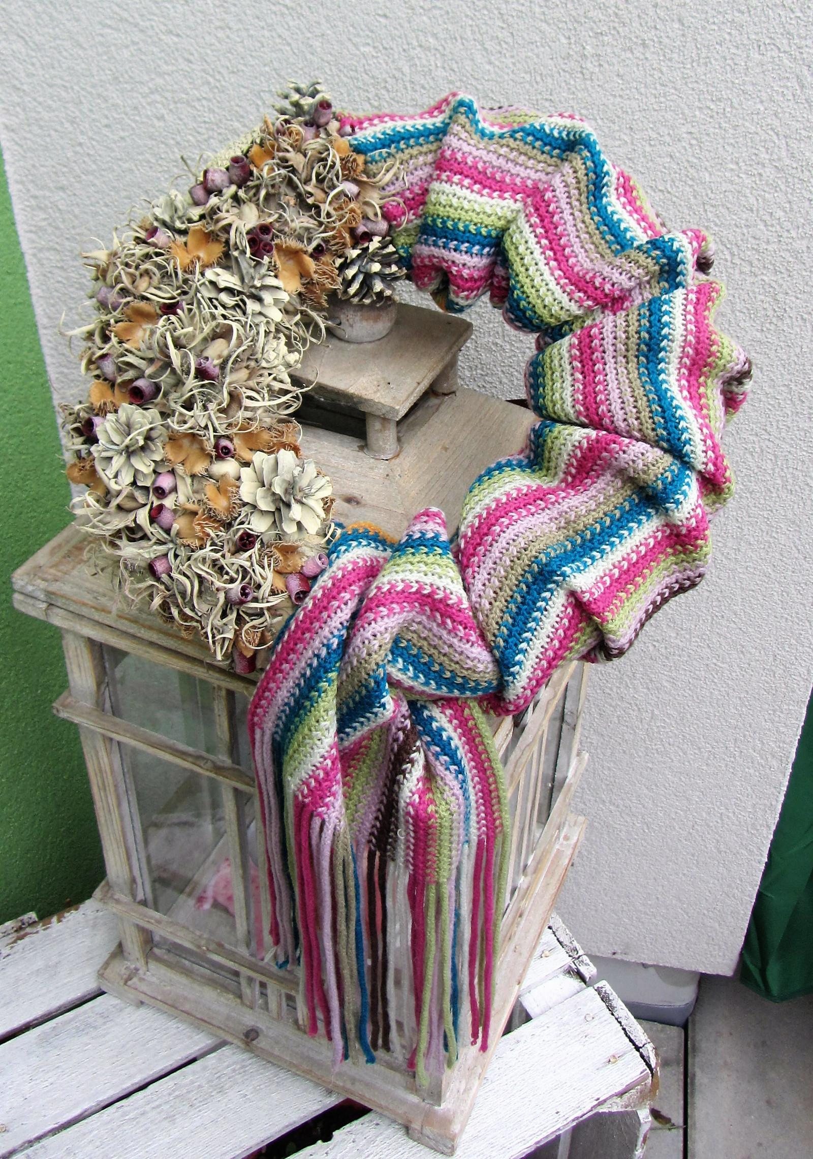 b3efa81d0a0 Zimní pletený věnec