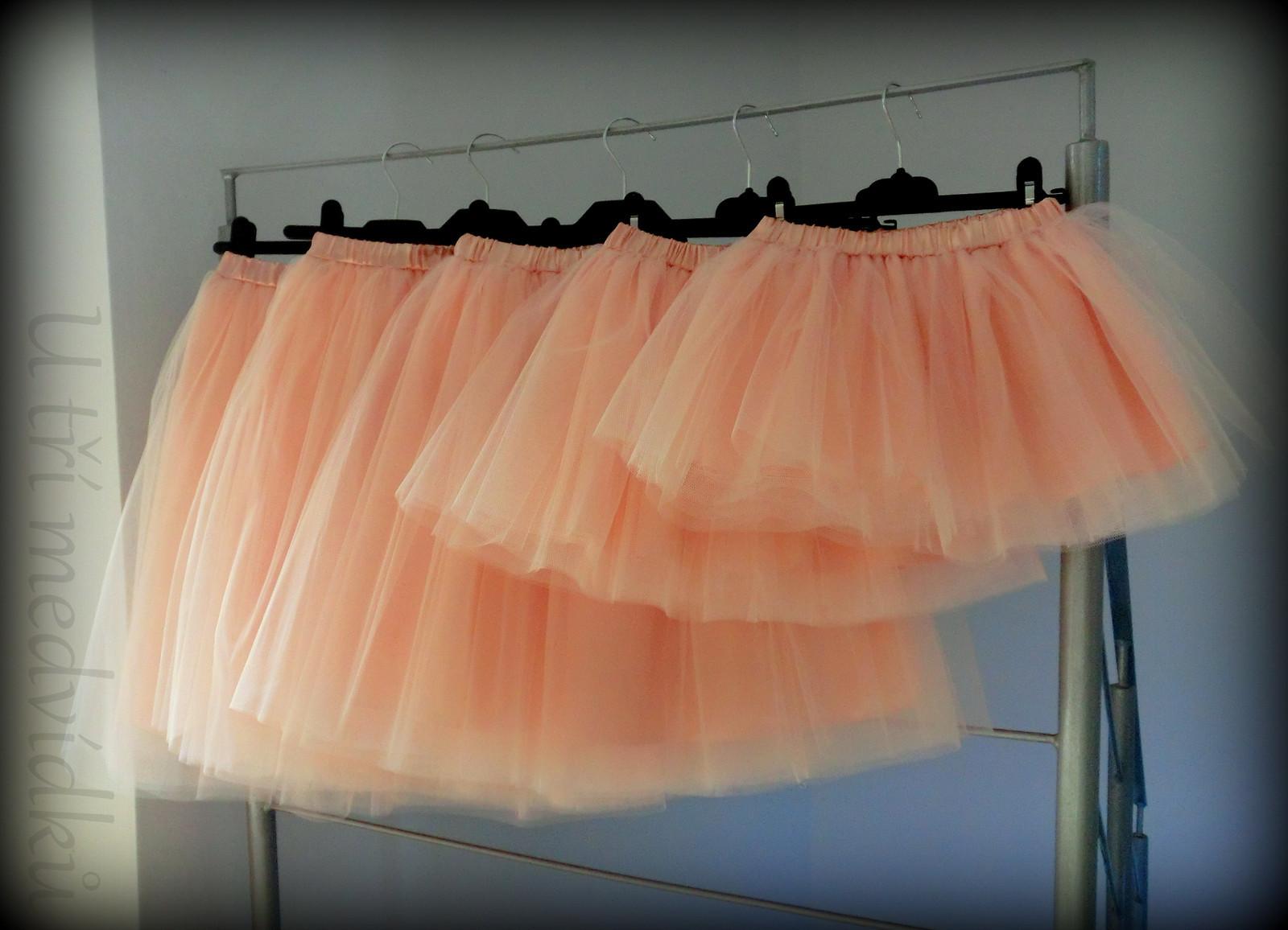 486f04d2fd2a Tylová sukně v lososové barvě (Dámská velikost 36-4)   Zboží prodejce  MVstyle