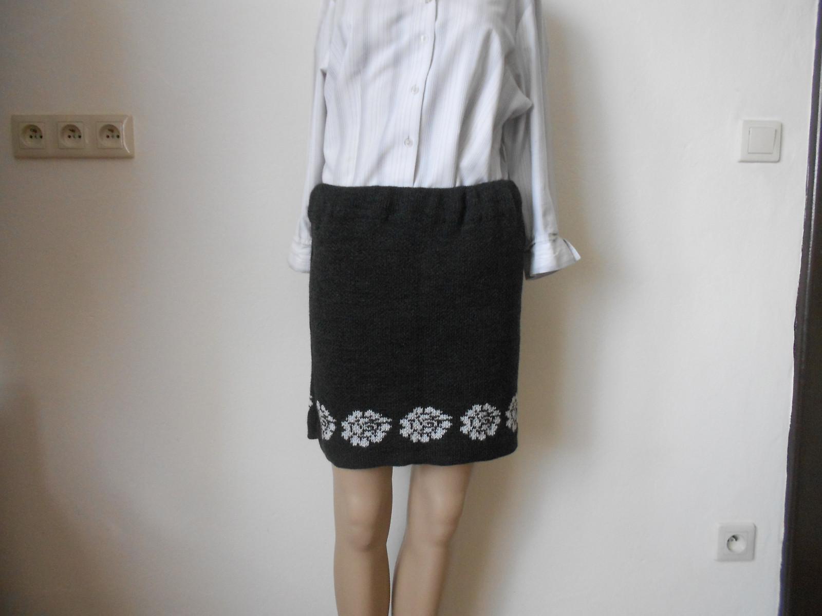 Dámská pletená sukně   Zboží prodejce mi-pi  861f9896fd