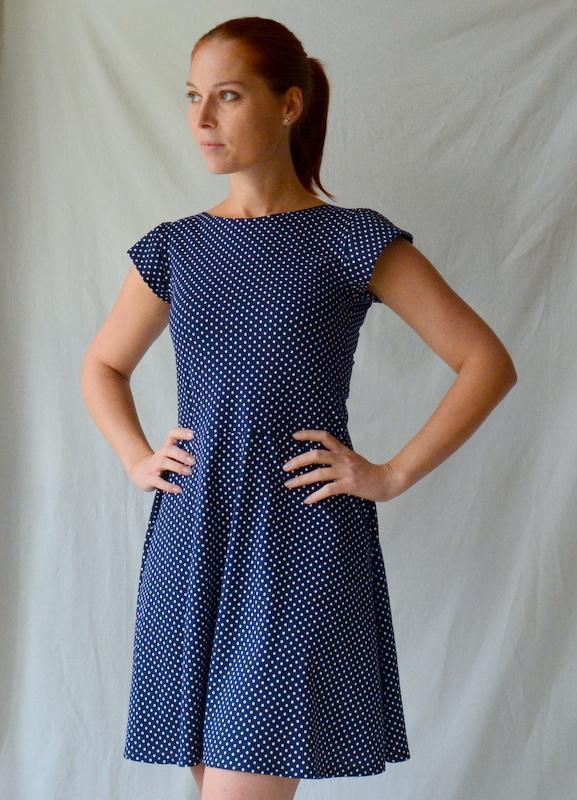 puntíkaté úpletové šaty s krátkým rukávem vel.M   Zboží prodejce ... be3ee1a11e