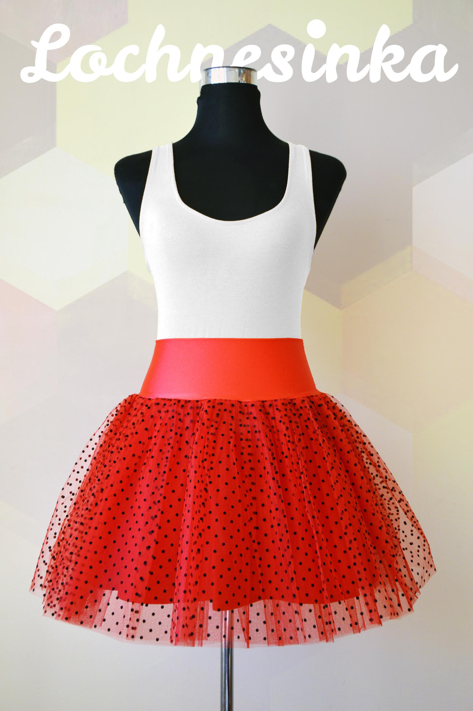 Tylová sukně červená s černými puntíky   Zboží prodejce Lochnesinka ... 4b74926977