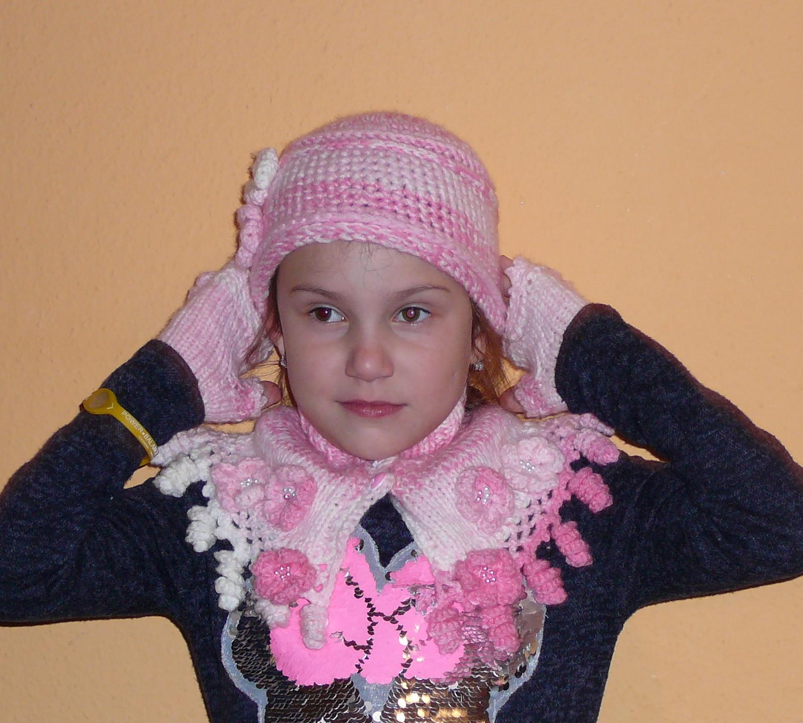 dívčí zimní souprava- čepice 00c8ef524d