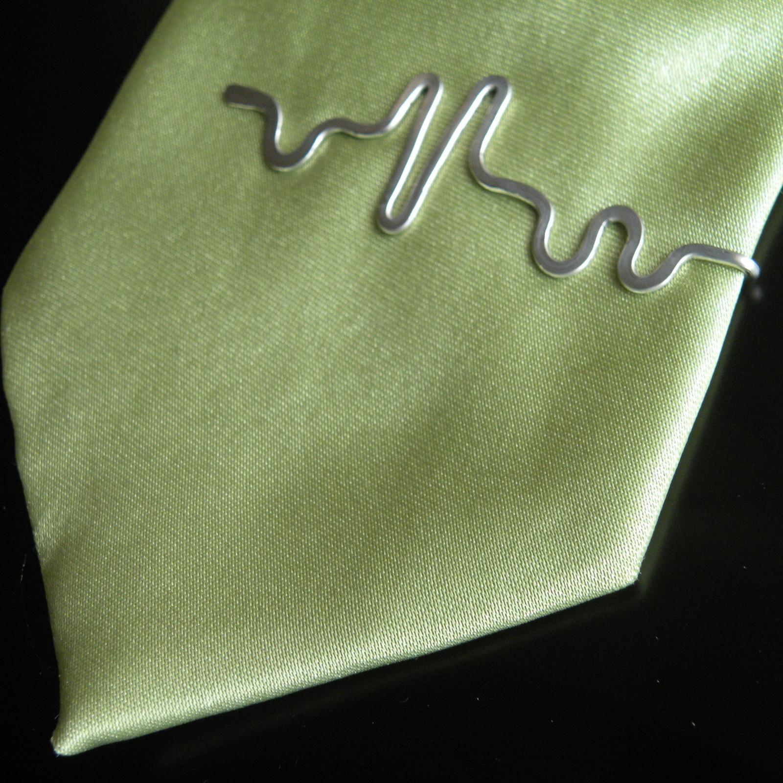 Kravatová spona EKG   Zboží prodejce Melvys  22a8966462e