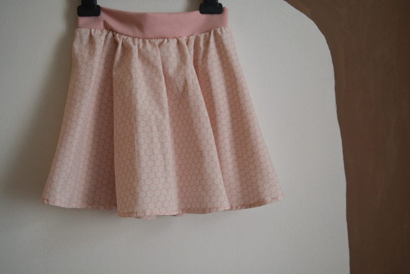 Dětská půlkolová sukýnka růžová   Zboží prodejce Petrushe  6429ae28c5