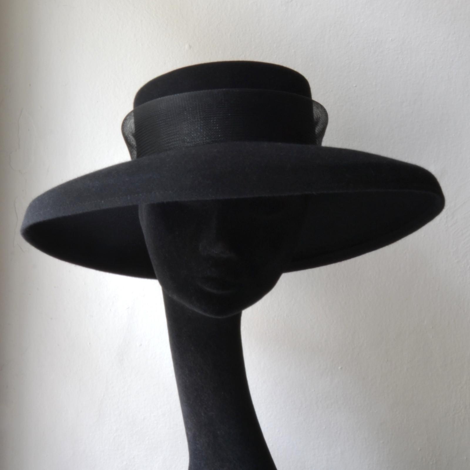 1d92cf25048 Dámský Plstěný Klobouk Elegantní Černý Žíně   Zboží prodejce ...