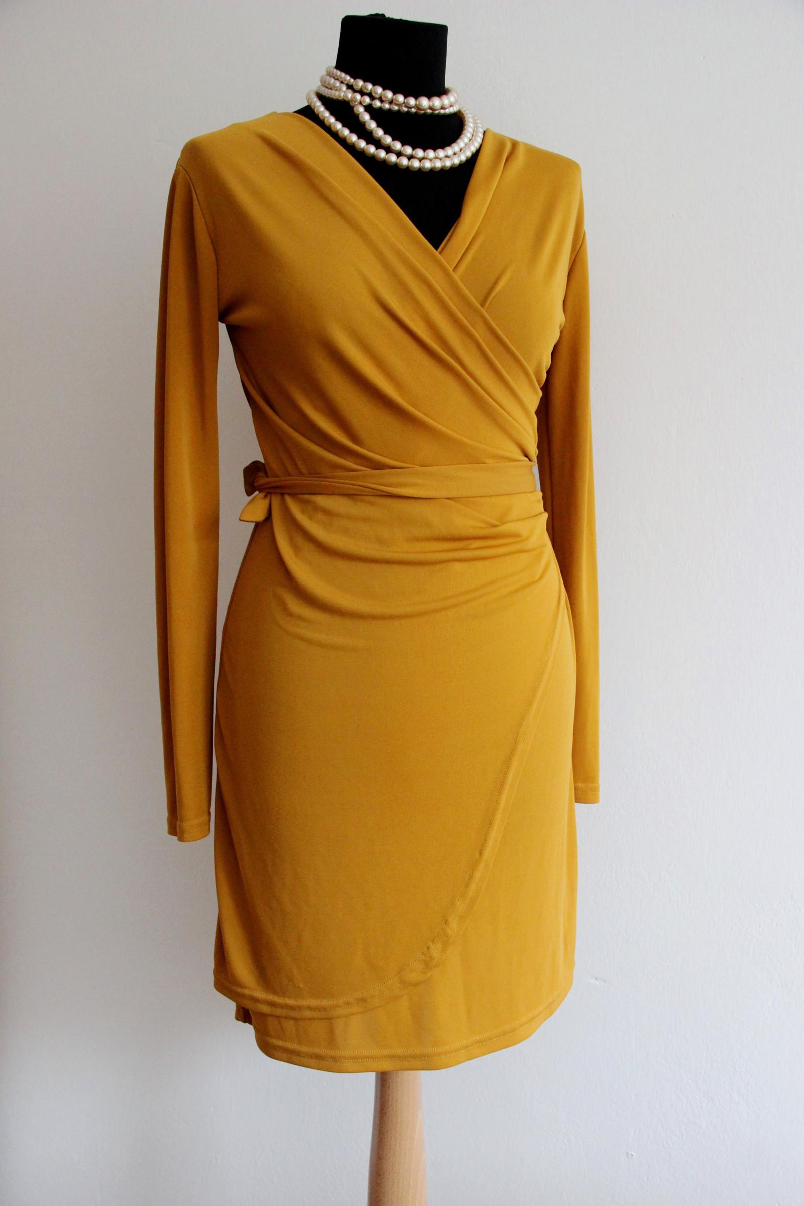 Elegantní chic šaty barvy hořčice   Zboží prodejce Madame Chic Styl ... 5bdfaa1ded
