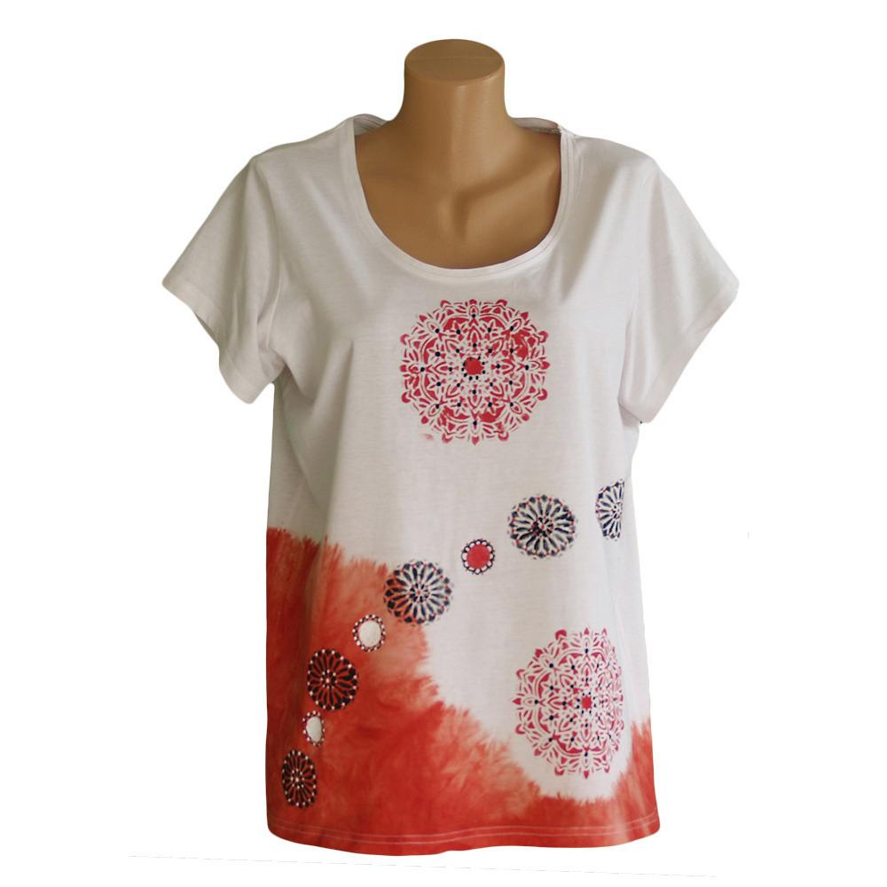 3f653bd3b5e2 Červeně batikované tričko kytičkové   Zboží prodejce M DESIGN