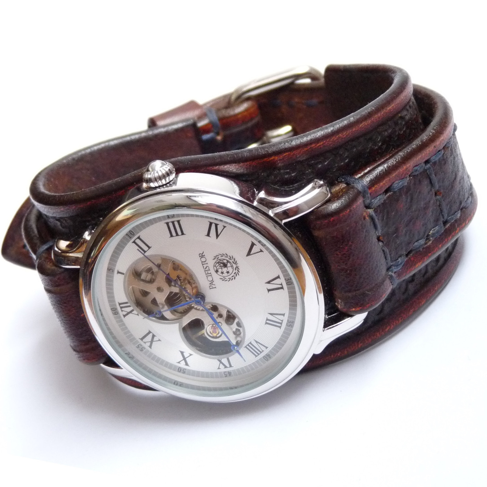 Hnědé pánské hodinky e4615c9e3e