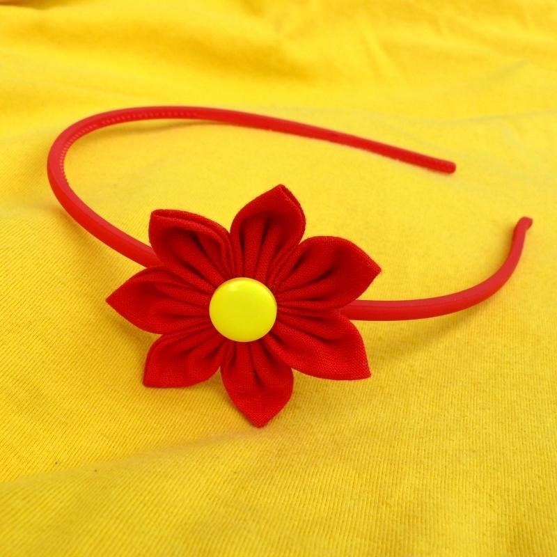 4715d385c63 Čelenka s červenou kytkou   Zboží prodejce Princezna Pampeliška ...