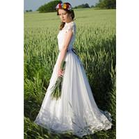 Dlouhé folklórní svatební šaty · Mia Bella 07bc0c4a12