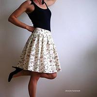 3f4b665967a set z modrotisku  skládaná sukně a pánský motýlek · fioreLino handmade ·  O+. 38.02 €. Nadýchaná sukýnka s kytičkami alla France