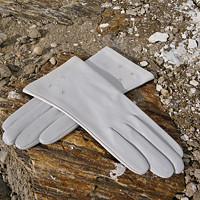Bílé rukavice s hedvábnou podšívkou na zakázku 681c2b86f2