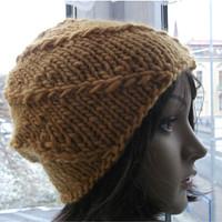 df060474001 Teplá čepice medová barva ze 100%vlny
