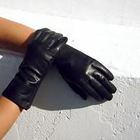 Černé dámské kožené rukavice s hedvábnou podšívkou 88279046ed