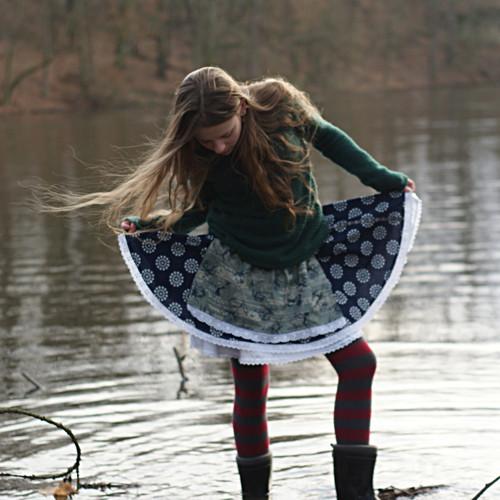 Modrotisková... folklorní sukně 7-10 let