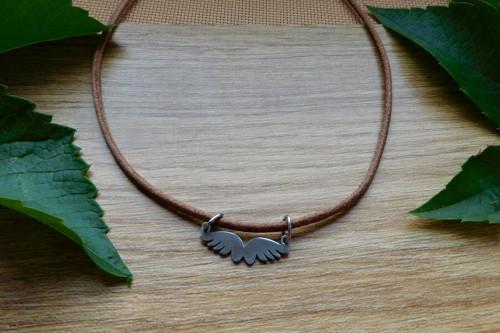 Náhrdelník - kožený s nerez křídly....