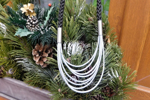 Náhrdelník -Sváteční- stříbrná + černá