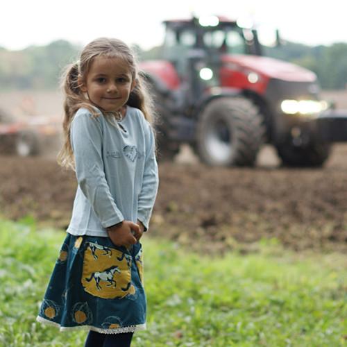 Podzim vkaštanové aleji ...holčičí II3-5 let