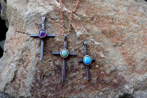 Přívěšek - Menší křížek s ametystem
