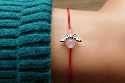 Náramek -Malý andílek s růženínem....