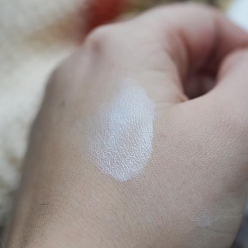 Zinková mast na akné