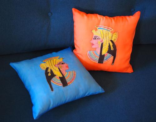 Poduška královny Kleopatry-dva hedvábné polštářky